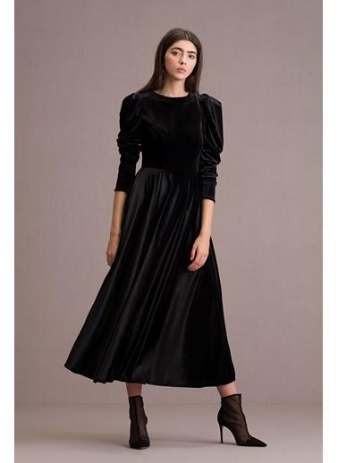 Eda Atalay Kadife Elbise Siyah